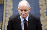 En plein débat sur la pédophilie et l'inceste, Christophe Girard reprend le chemin de la mairie de Paris