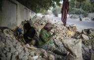[Tchad] L'enfer des femmes et des enfants qui concassent des gravats