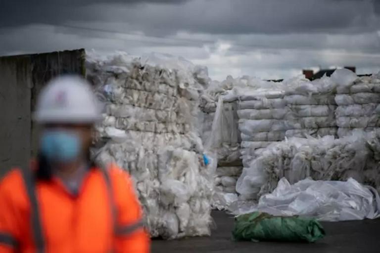 [Pays de la Loire] Sur les routes du recyclage du plastique agricole
