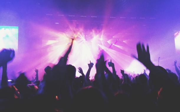 [Royaume-Uni] 5.000 personnes participent à un concert test